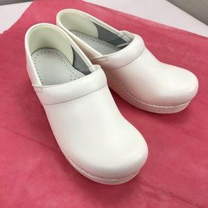 🌷Dansko Professional Clog White nursing shoes 36